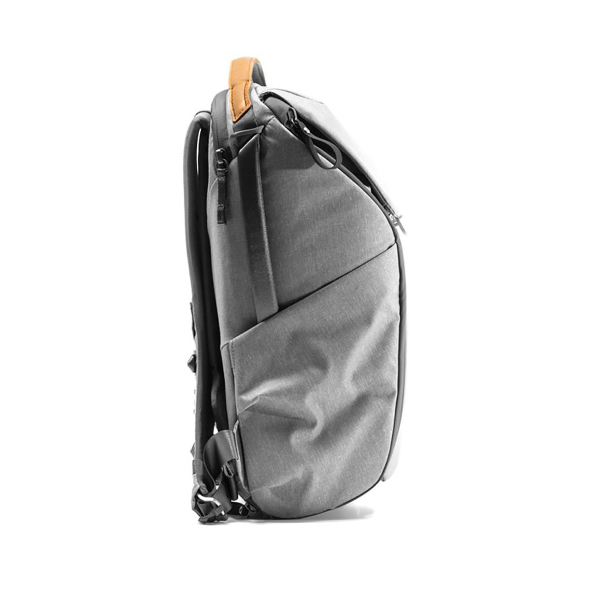 peak_design_everyday_backpack_v2_20l_ash_02
