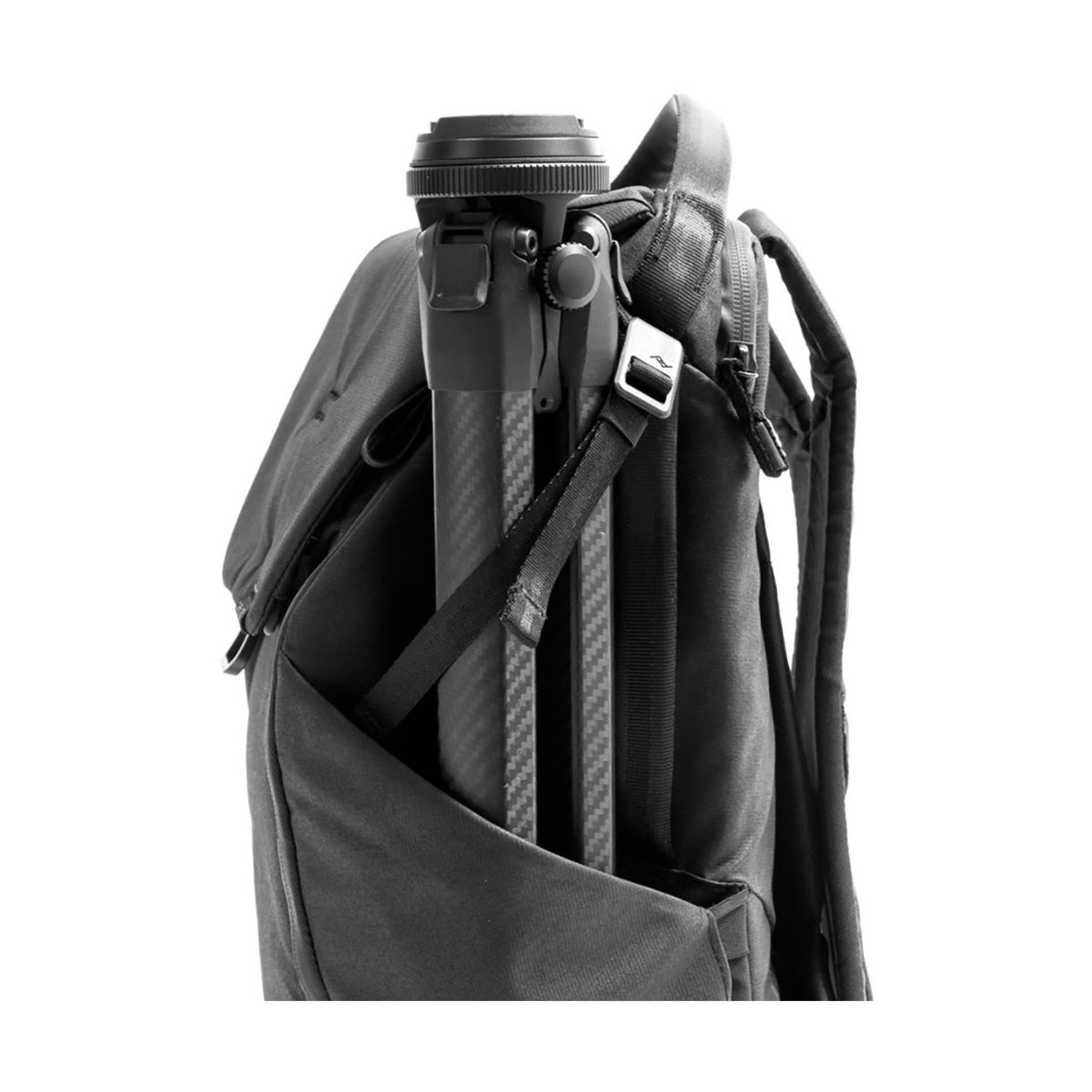 peak_design_everyday_backpack_v2_20l_charcoal_05