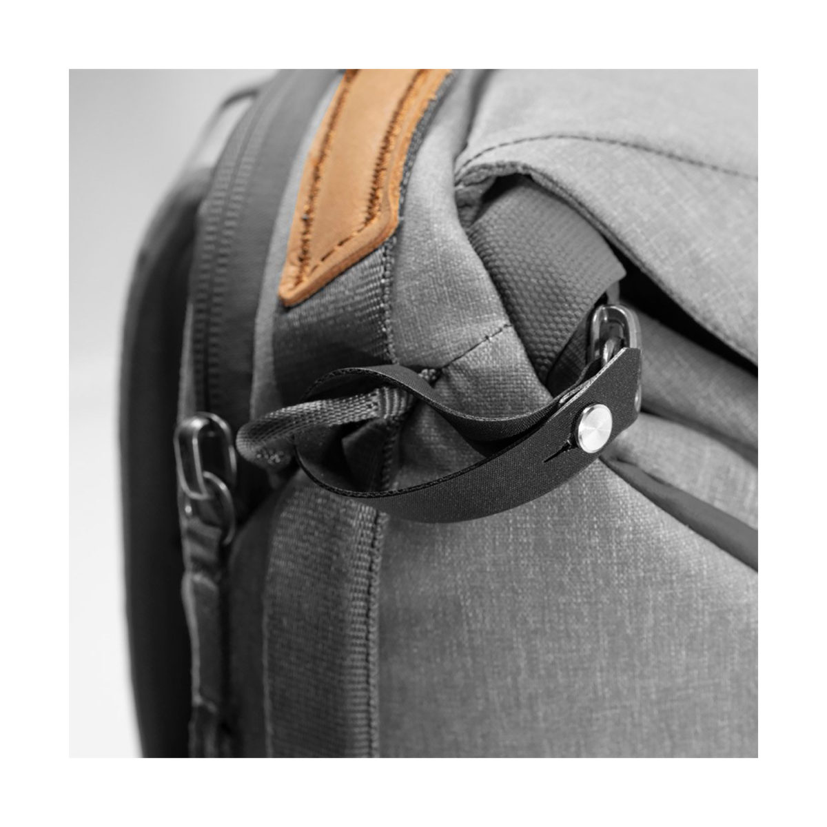 peak_design_everyday_backpack_v2_20l_charcoal_06