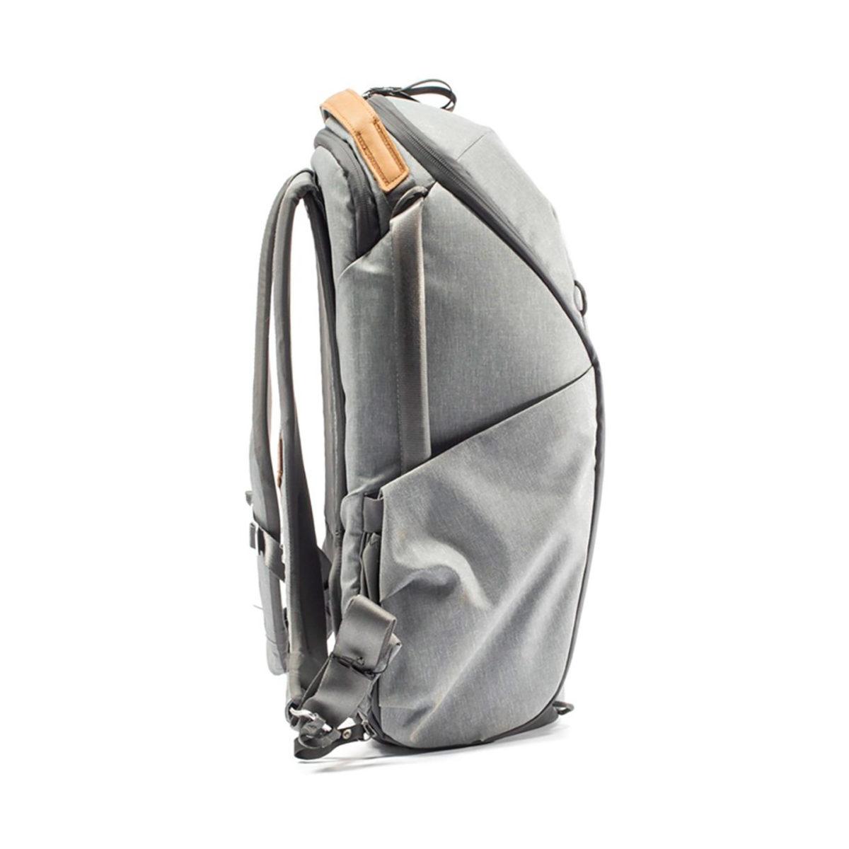 peak_design_everyday_backpack_zip_v2_as_02