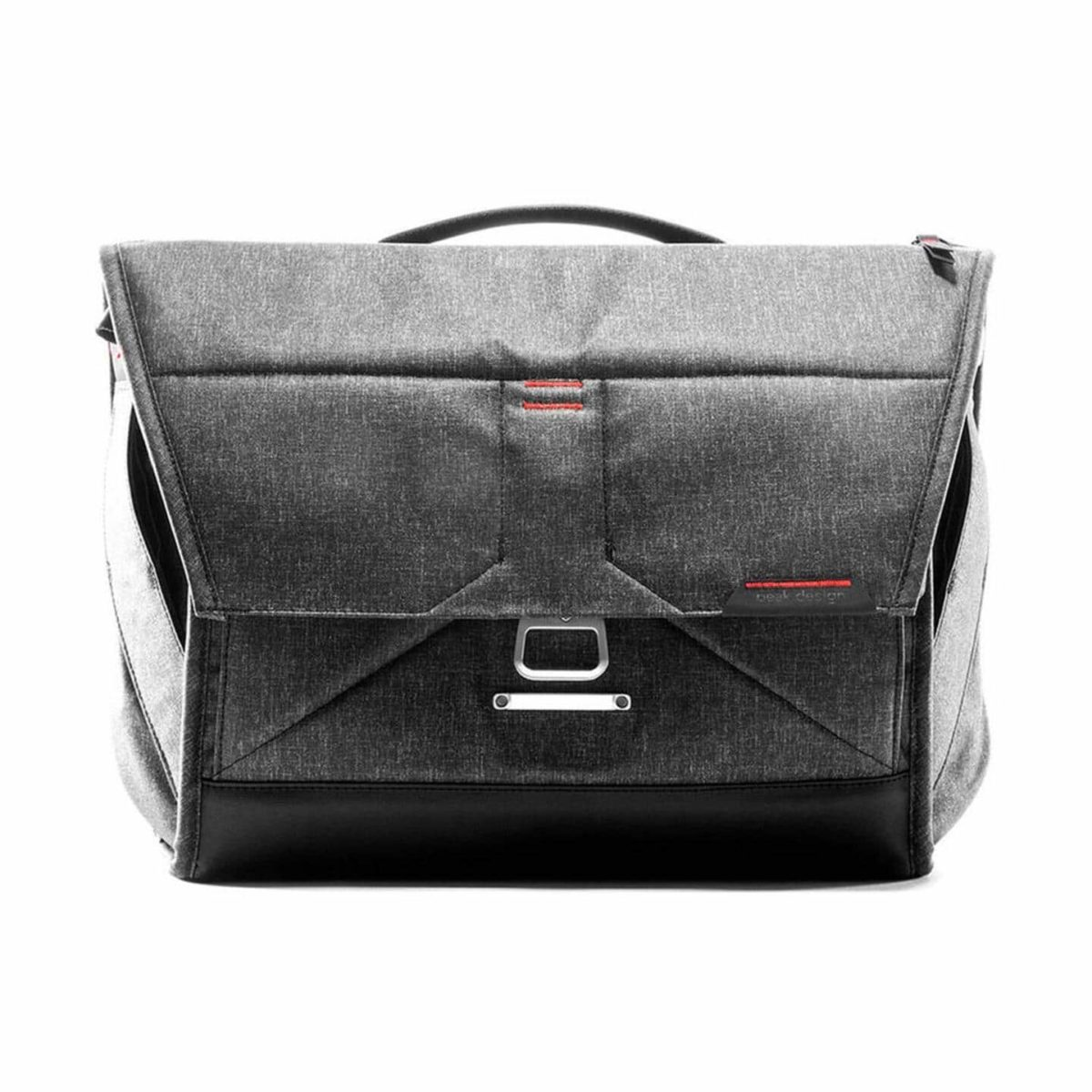 peakdesign_everyday_messenger_15_v2_charcoal_01