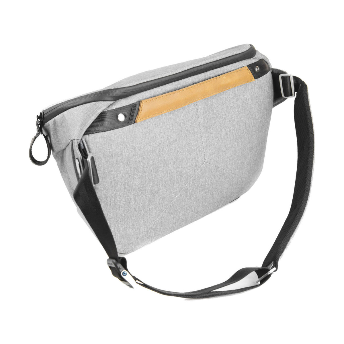 peak_design_everyday_sling_10l_as_02